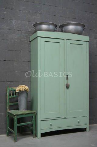 Linnenkast 10117  Mooie oude mint groene linnenkast met