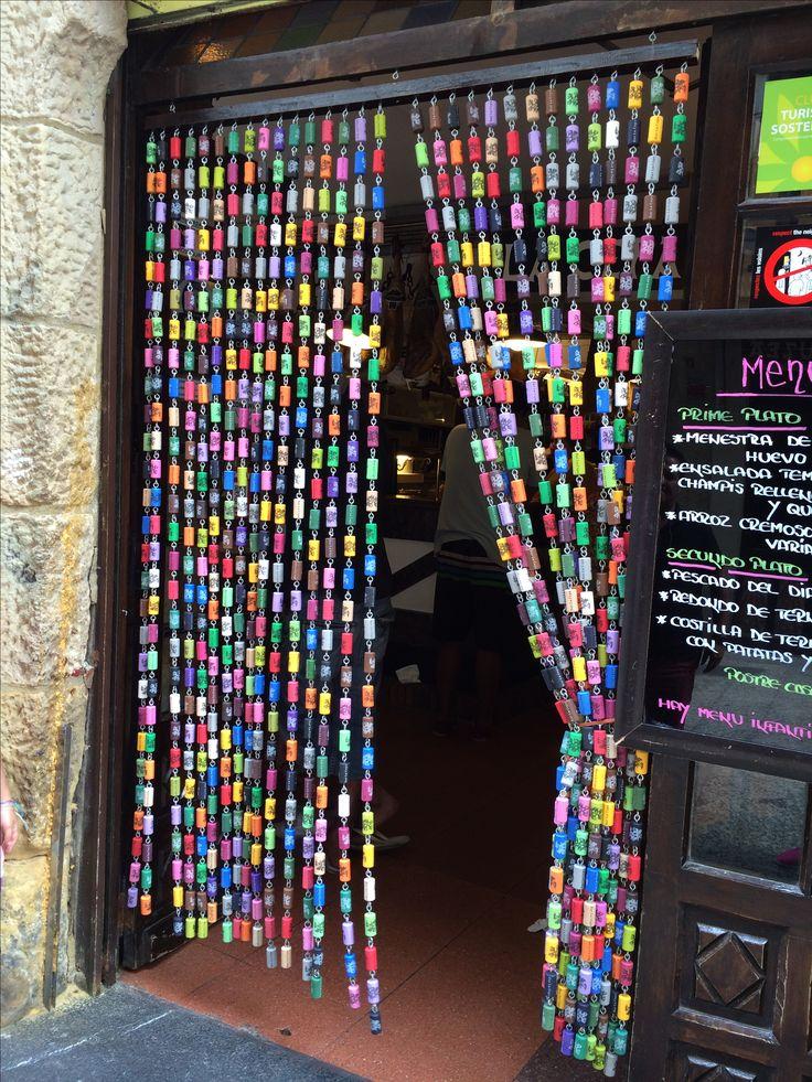 Rideau En Bouchons De Lige Colors Visible San Sbastien En Espagne Recyclage Pinterest