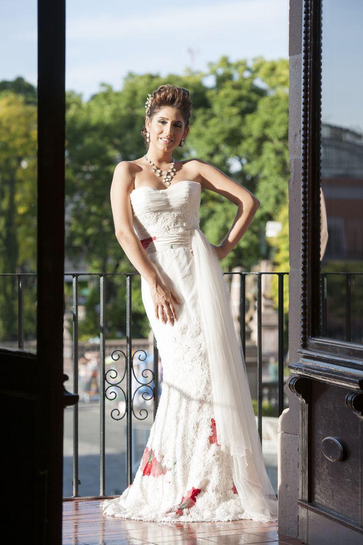 Vestido de novia visita nuestra pgina wwwpacomayorga