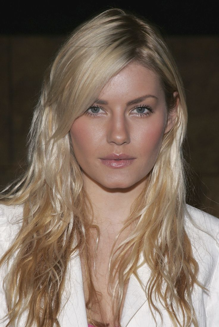 Elisha Cuthbert My Sassy Girl Wallpaper Nude Bronze Face Makeup Elisha Cuthbert Looks Makeup