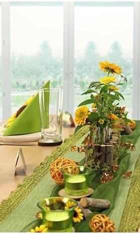 Tischdeko in grn und gelb Tischdeko mit Sonnenblumen hier kannst Du dir die Tischdeko