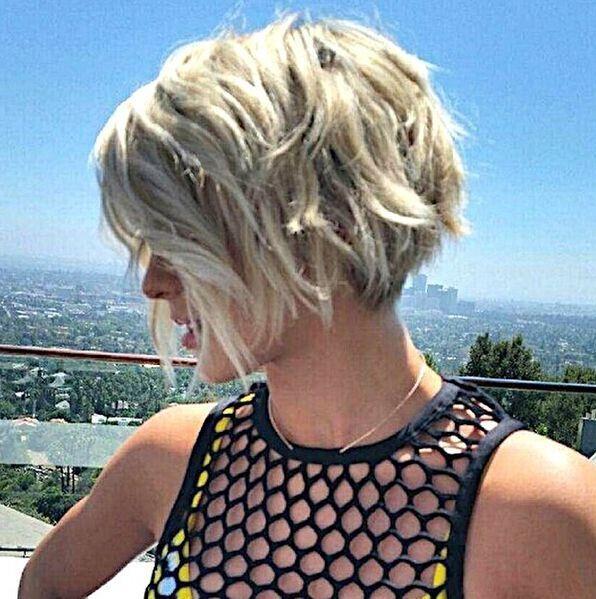 Layered Short Bob Haircut for Summer