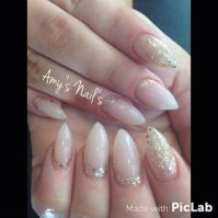Best 25+ Gold stiletto nails ideas on Pinterest