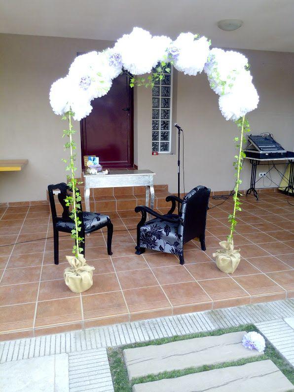 Arco para bodas con pompones de papel  bodas  Pinterest  Mesas and Bodas