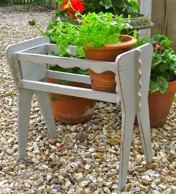 Shabby chic wooden plant troughstand decorative pot