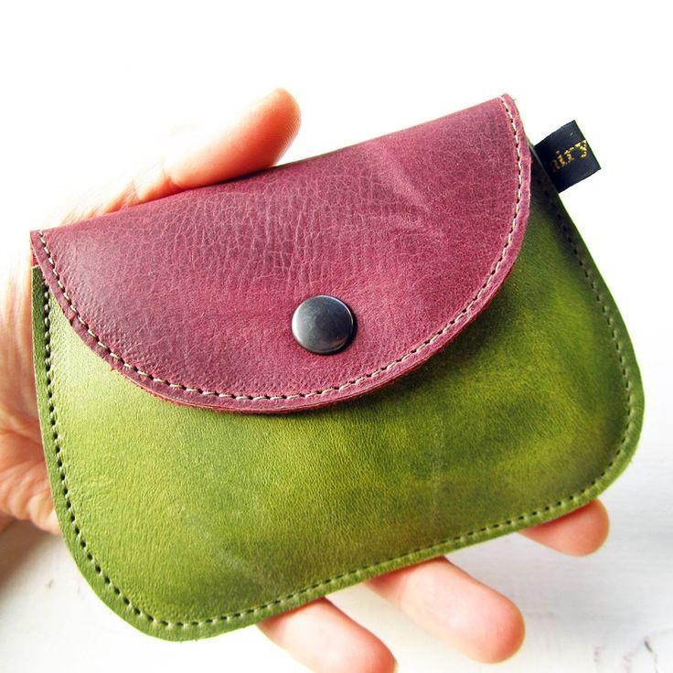 parfaitement palm taille porte monnaie fabrique en cuir de qualite un compartiment pour