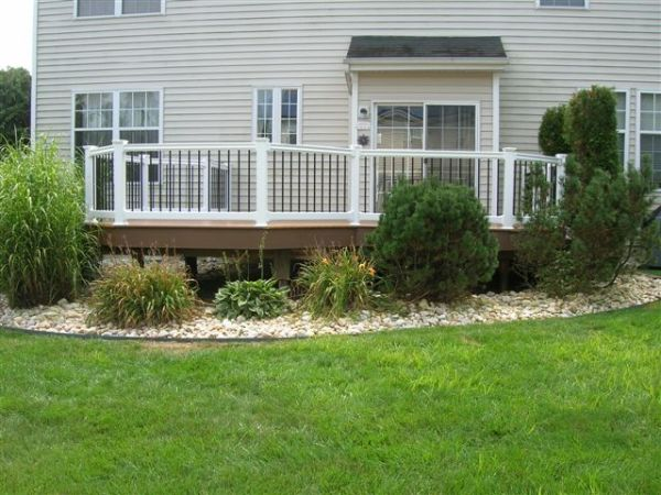 plants deck landscaping