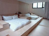 Favourite - Sunken bed (king sized 193cm x 203cm) with ...