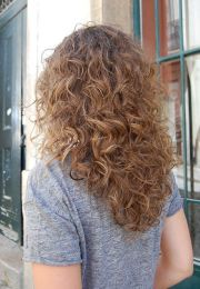curly wavy hairstyles