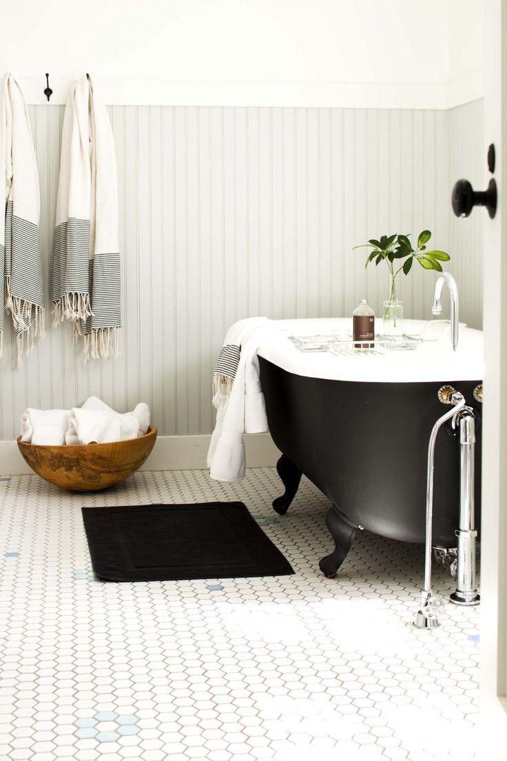 25 best ideas about Clawfoot tub bathroom on Pinterest  Clawfoot bathtub Clawfoot tubs and Tubs