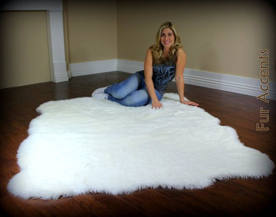 Large 8ft Fleece Accent Rug / Faux Fur / Fake Sheepskin