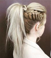 textured high pony tail style