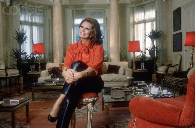 Italian Actress Sophia Loren relaxes in her living room at