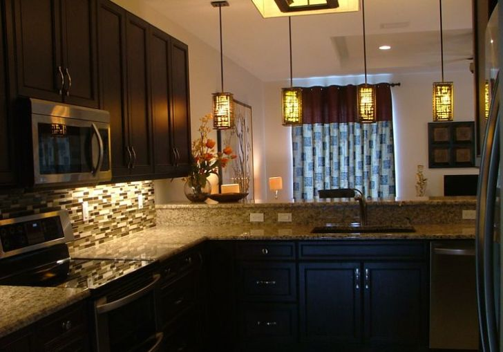 Painted Kitchen Cabinets With Granite Countertops