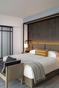 25+ best ideas about Hotel inspired bedroom on Pinterest ...