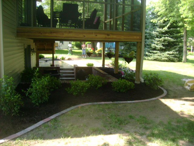 The 25 Best Ideas About Under Deck Landscaping On Pinterest
