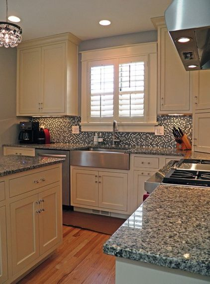 Azul Platino Countertop With White Cabinets HATE The Busy Backsplash Here White Ceramic