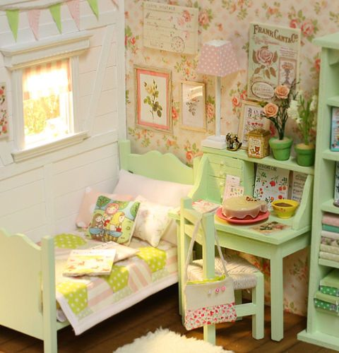 Details About DIORAMA Green Cottage Bedroom Ooak By