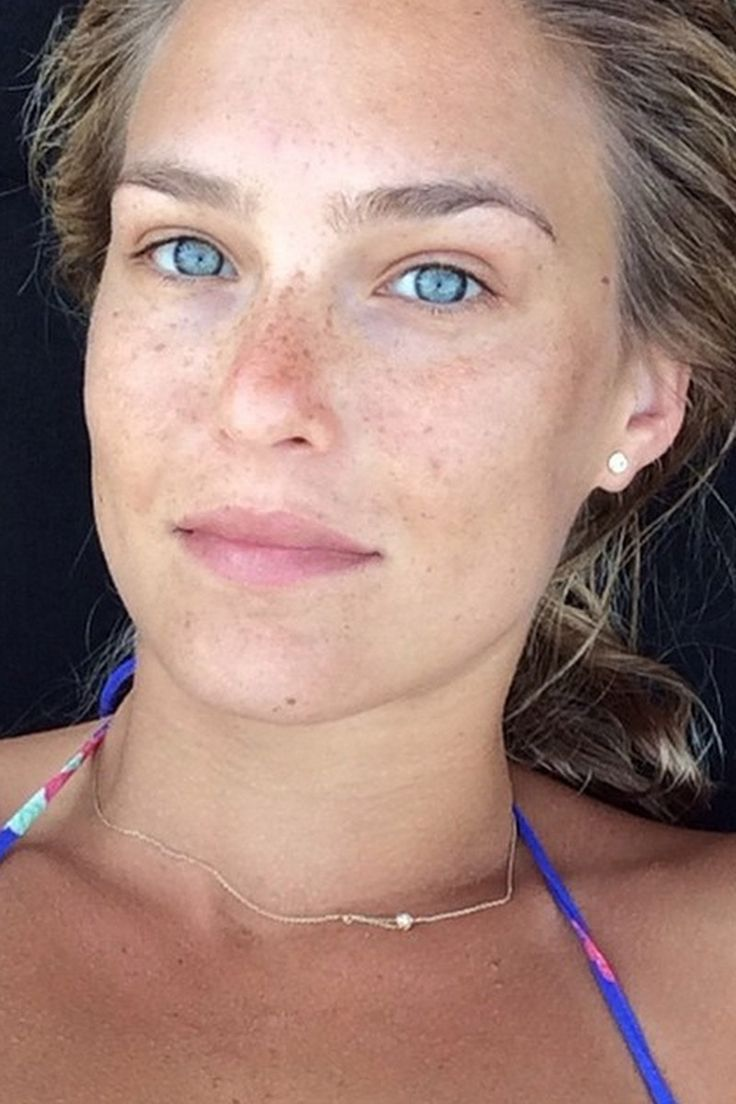 Celebrity No Makeup Selfie