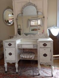 25+ best ideas about Antique makeup vanities on Pinterest ...