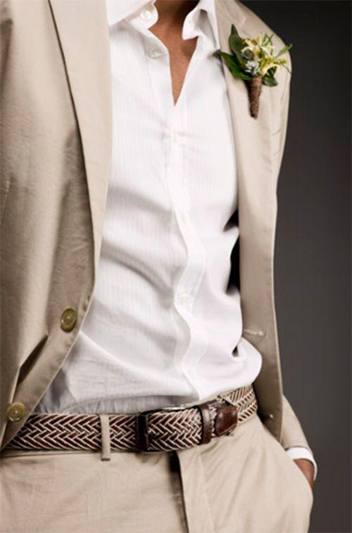 Veste et pantalon beige chemise blanche  fines rayures