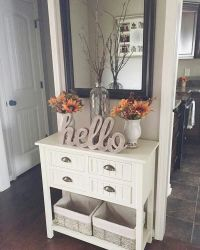 25+ best ideas about Foyer table decor on Pinterest | Hall ...
