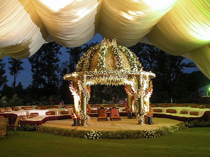 The 25 Best Ideas About Outdoor Indian Wedding On Pinterest