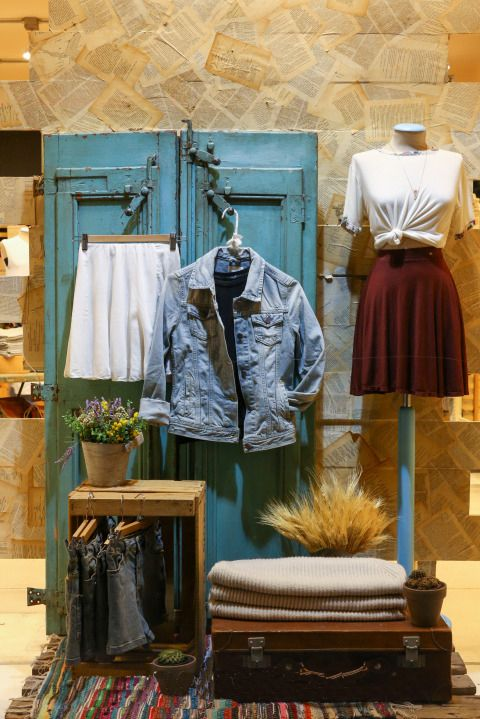 1000+ ideas about Clothing Store Displays on Pinterest