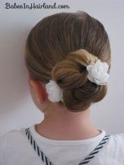 loopy bun hairstyle 15 flower