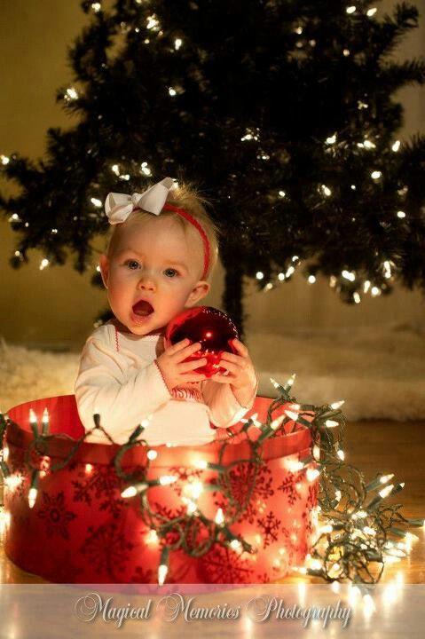 Cute Christmas photo shoot ideas For My baby girl