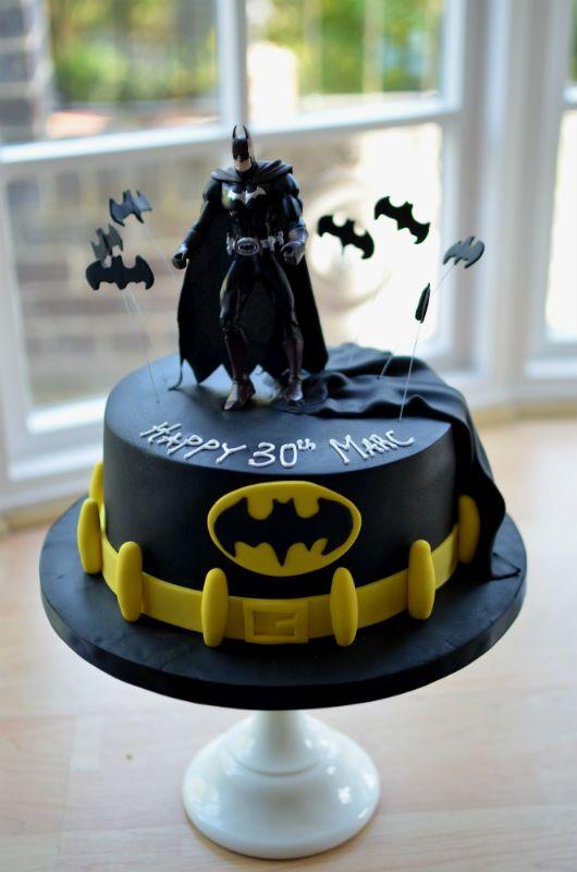 25 Best Ideas About Batman Cakes On Pinterest Batman