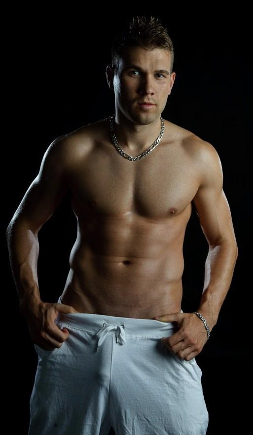 Jordan Fox hot sexy gay man male muscles big bulge horny