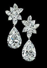 25+ best ideas about Diamond Earrings Designs on Pinterest ...