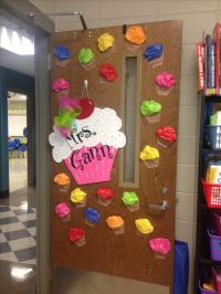 Cupcake door decor