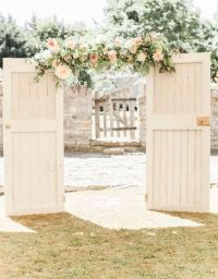 Best 25+ Old doors wedding ideas on Pinterest | Outdoor ...