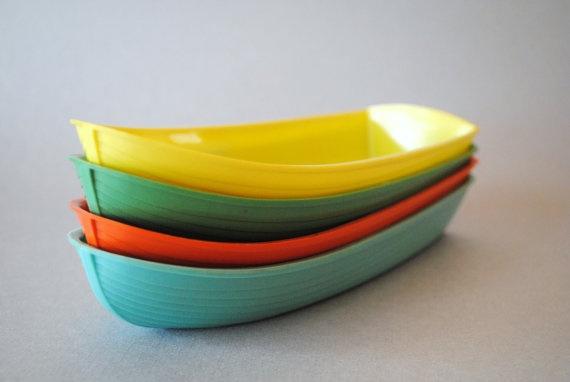 Banana Boat by Kenly set of 4 retro colors  Boats Bowls