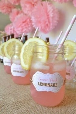 This would be cute for a girl baby shower… super  cute, good idea if Im having a