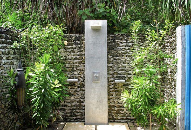 Dusche F R Den Garten Solar Wie Wasserfall Und Mit Sichtschutz ... Dusche Garten Solar Sichtschutz
