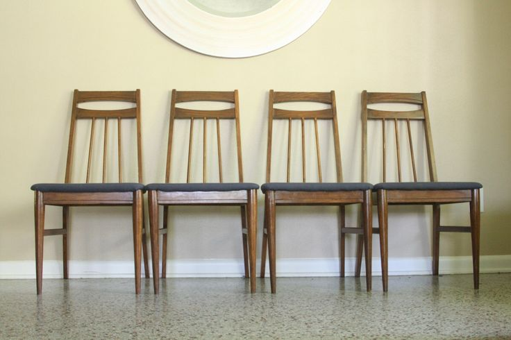 Mid Century Modern Dining Chairs  Set of Four Vintage