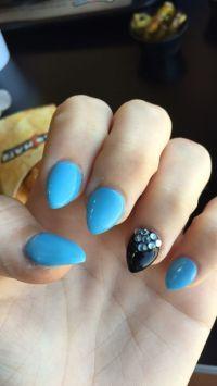 25+ Best Ideas about Short Stiletto Nails on Pinterest ...
