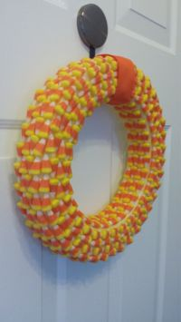 25+ great ideas about Candy Corn Wreath on Pinterest ...
