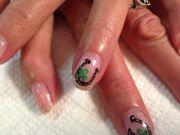 horse shoe nail art shellac