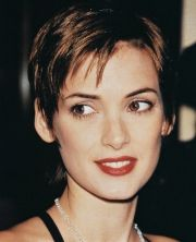 winona ryder haircuts winona-ryder-haircuts-and-short-hairstyles-5