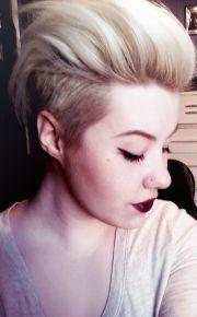 undercut blonde short hair