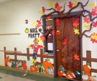 25+ Best Ideas about Fall Classroom Door on Pinterest