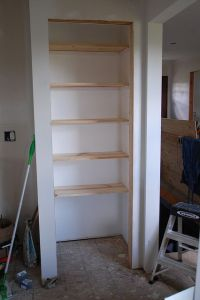 Build Simple Closet Shelves - WoodWorking Projects & Plans