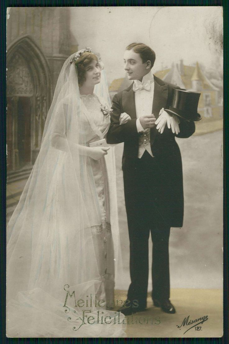 A wedding postcard from the 1910's.