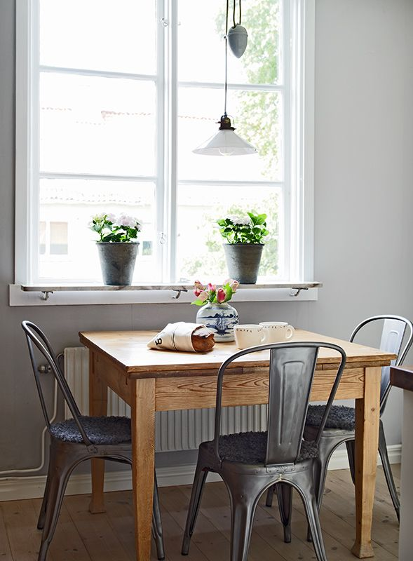 breakfast table and chairs set big joe bed bath beyond 25+ best ideas about small dining tables on pinterest | room tables, kitchen ...