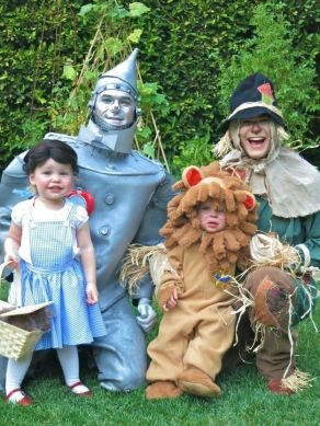Neil Patrick Harris and his family are the cutest Wizard of Oz characters EVER: