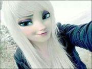 elsa's selfie wow